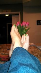 toes and tulips