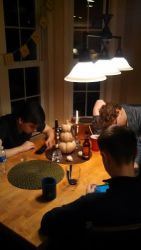 thanksgiving kids on phones